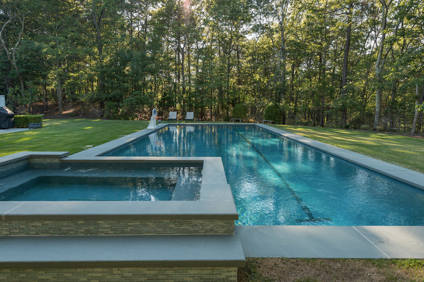 Hamptons Pool Hottub